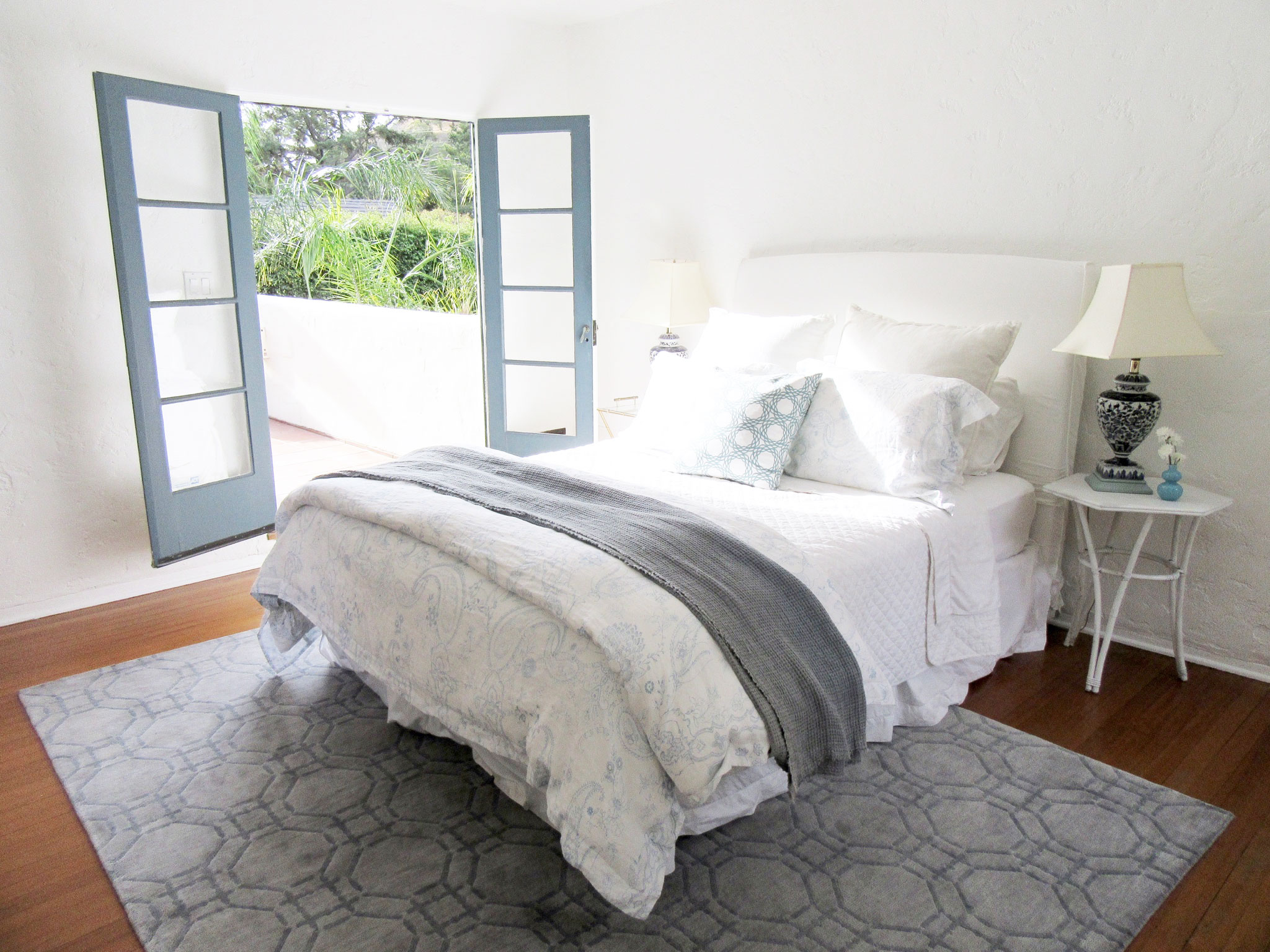 How I Chose My Master Bedroom Rug | COCOCOZY